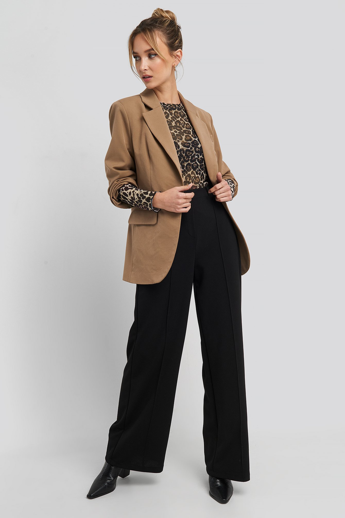 Stitch Detailed Wide Leg Pants Sort by Trendyol
