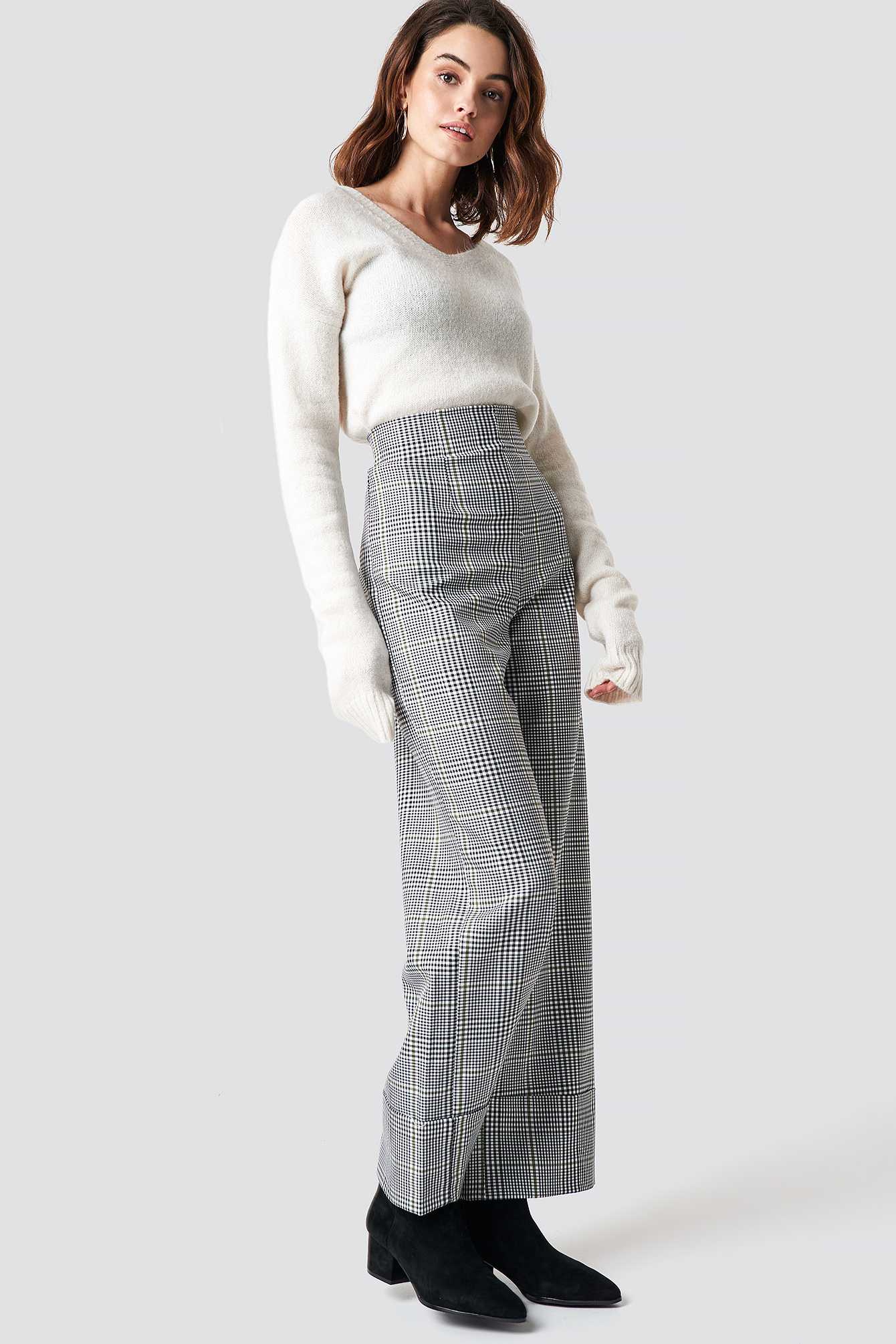 V-Neck Milla Sweater NA-KD.COM