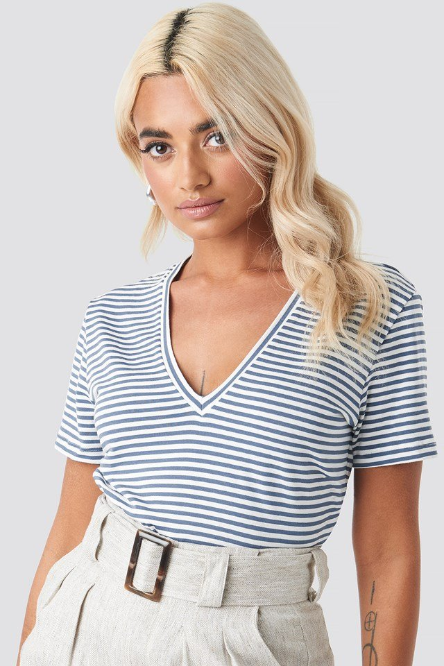 V-Neck Striped Tee NA-KD.COM