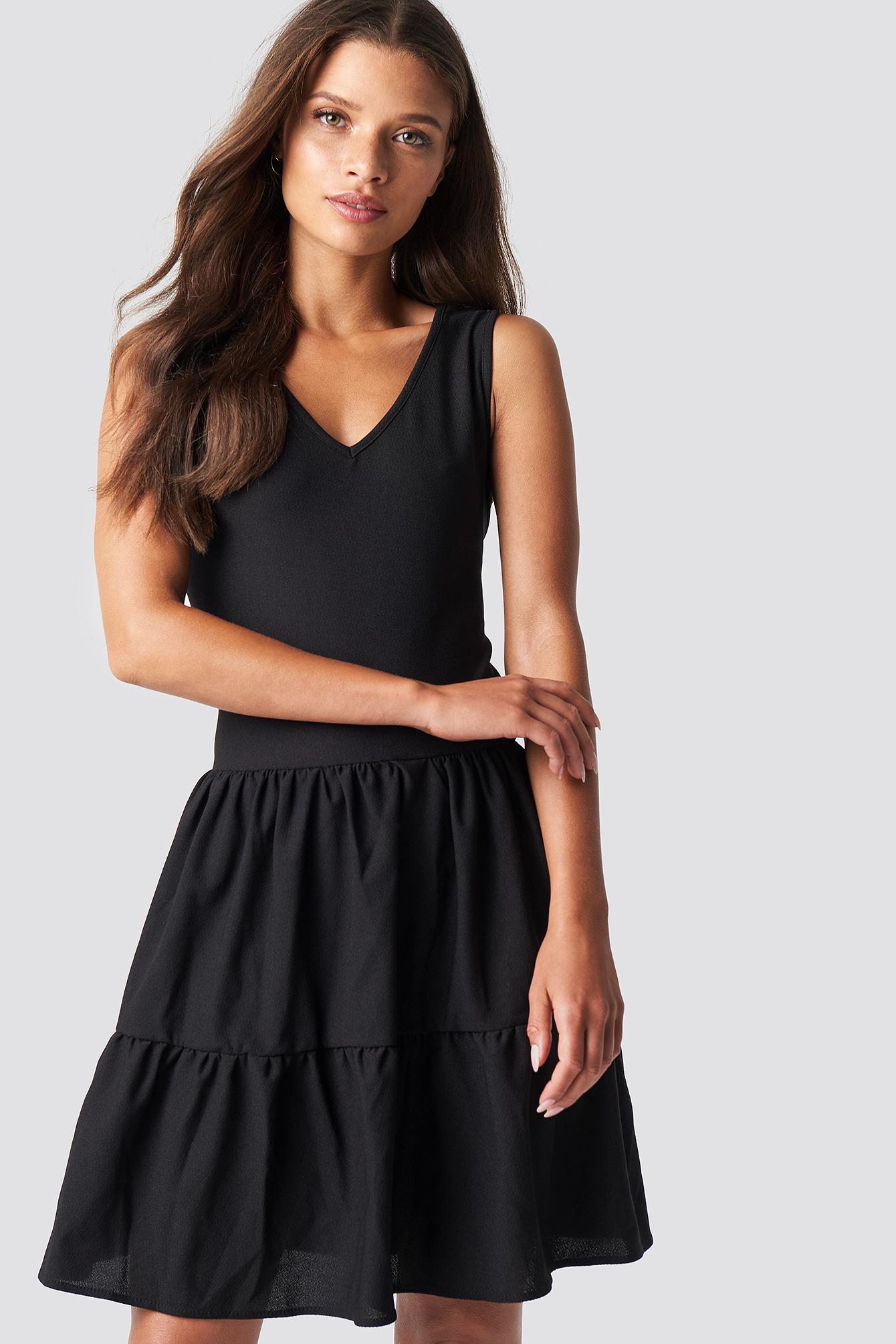 TRENDYOL V NECK DETAILED MINI DRESS - BLACK