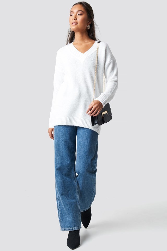 V-Neck Knitted Pullover Ecru