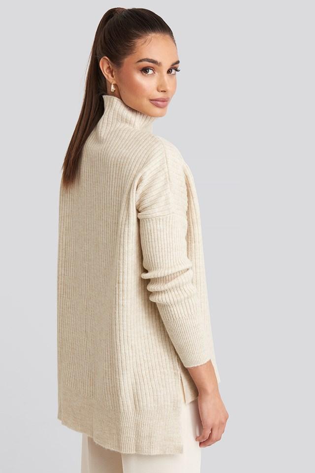 Vertical Neck Knitted Sweater Ecru