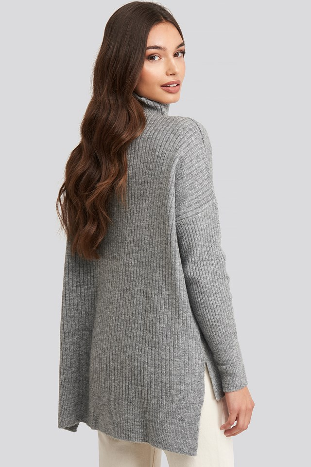 Vertical Neck Knitted Sweater Gray