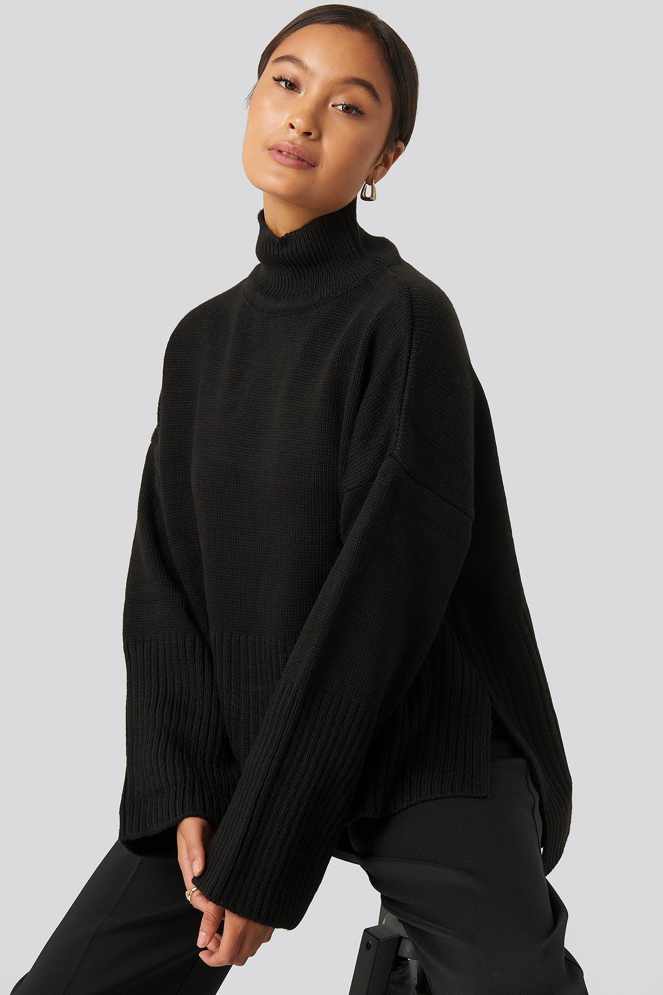trendyol -  Vertical Neck Sweater - Black