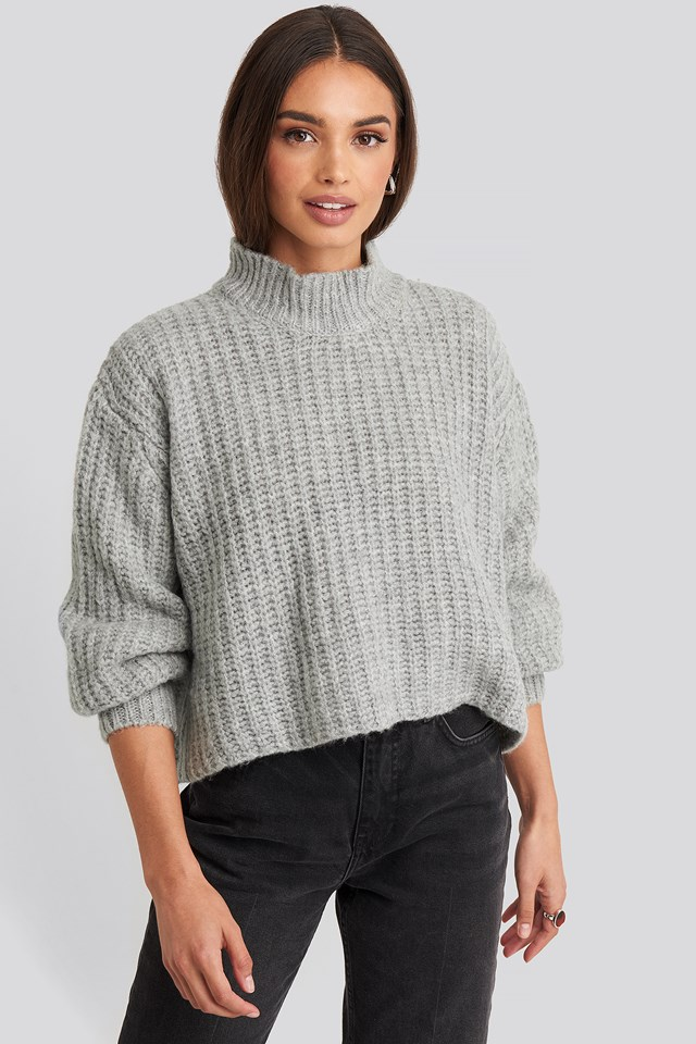 Volume Sleeve Cropped Knitted Sweater Gray