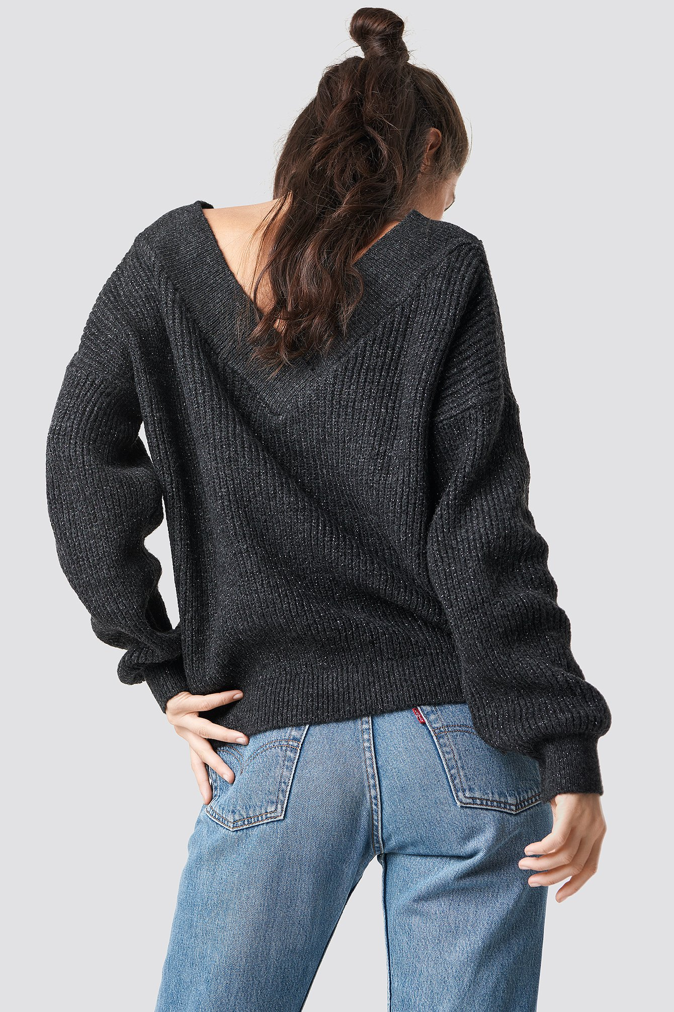 Wide V-Neck Glitter Knitted Jumper NA-KD.COM