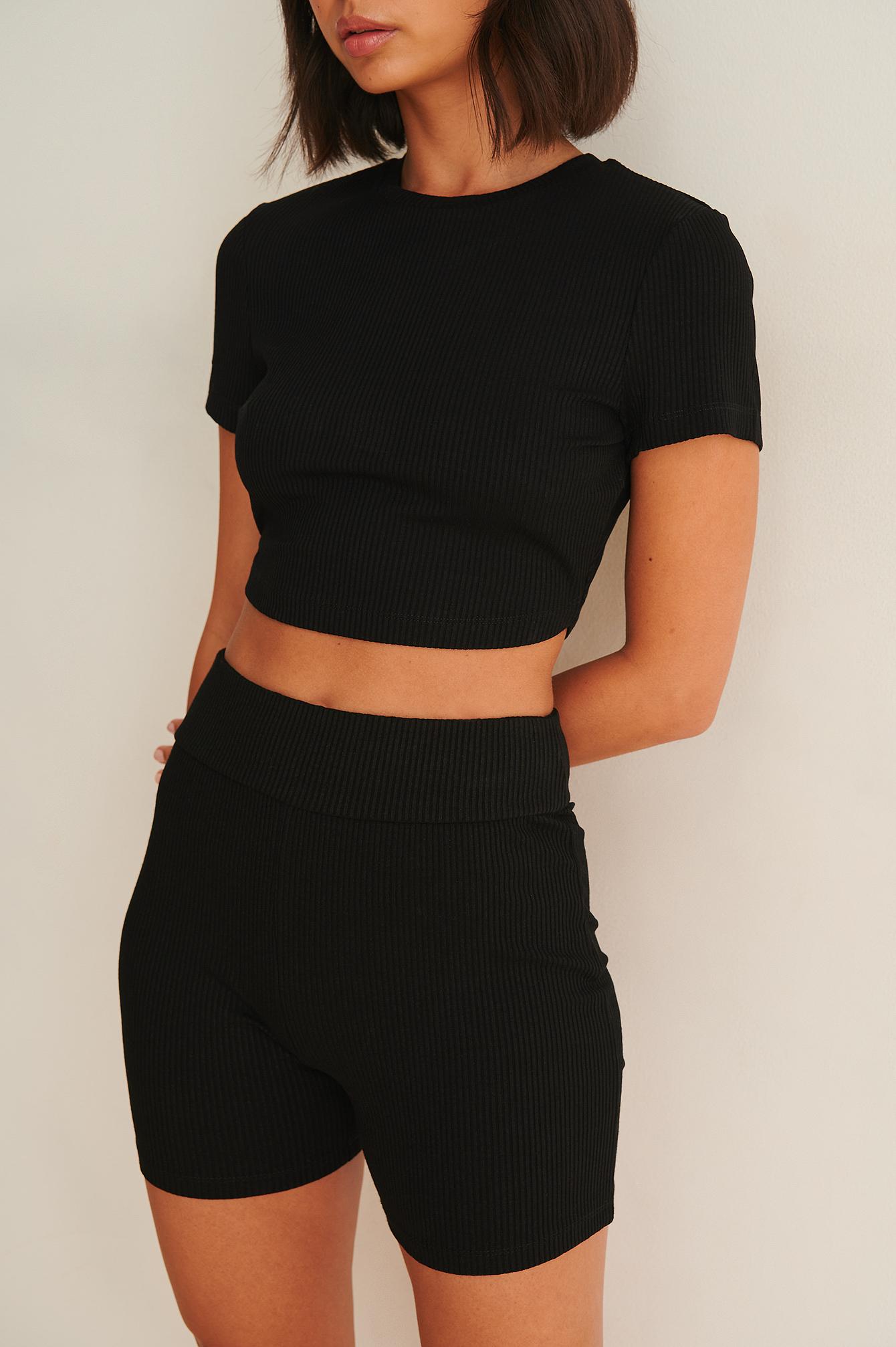 viktoria & charline x na-kd -  Gerippte Jersey-Biker-Shorts - Black