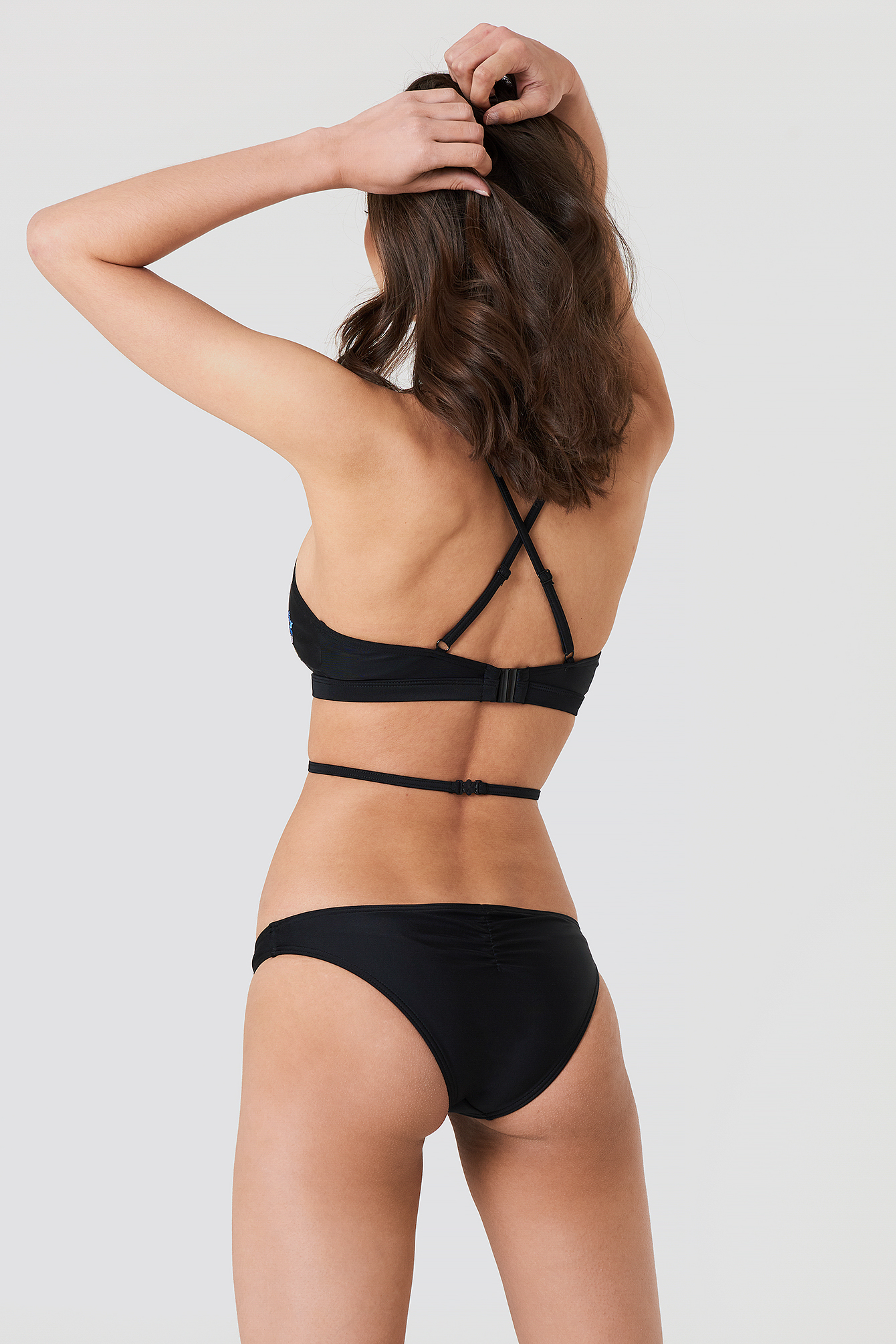 Embroidered Ruche Back Bikini Brief NA-KD.COM