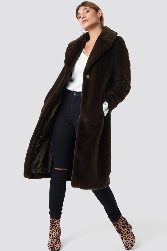 Caroline Faux Fur Coat XLE the Label