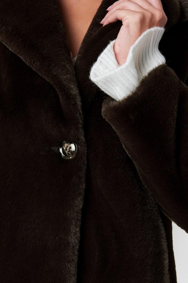 Płaszcz ze sztucznym futrem Caroline Brown