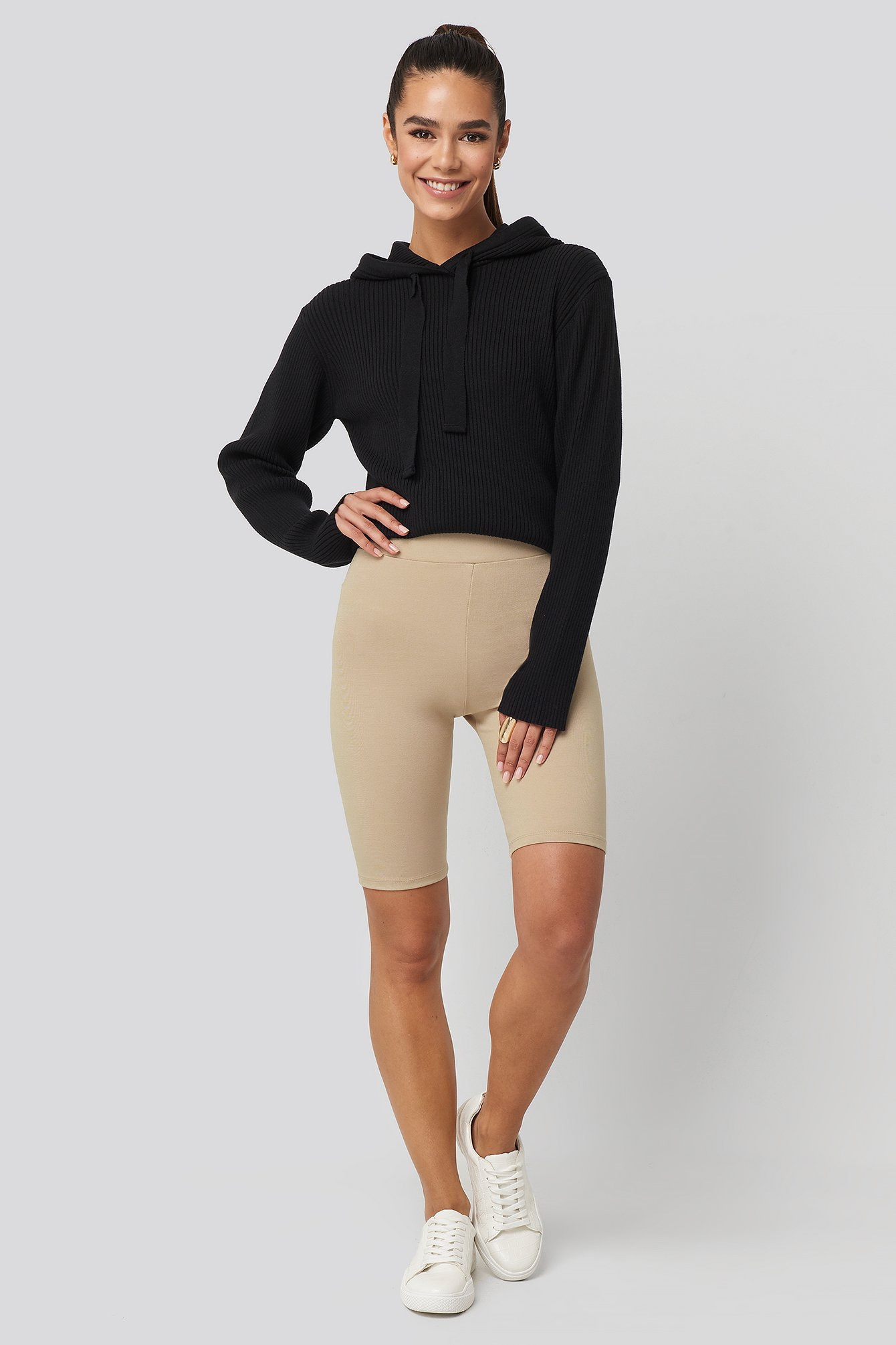 xle the label -  Kim Biker Shorts - Beige