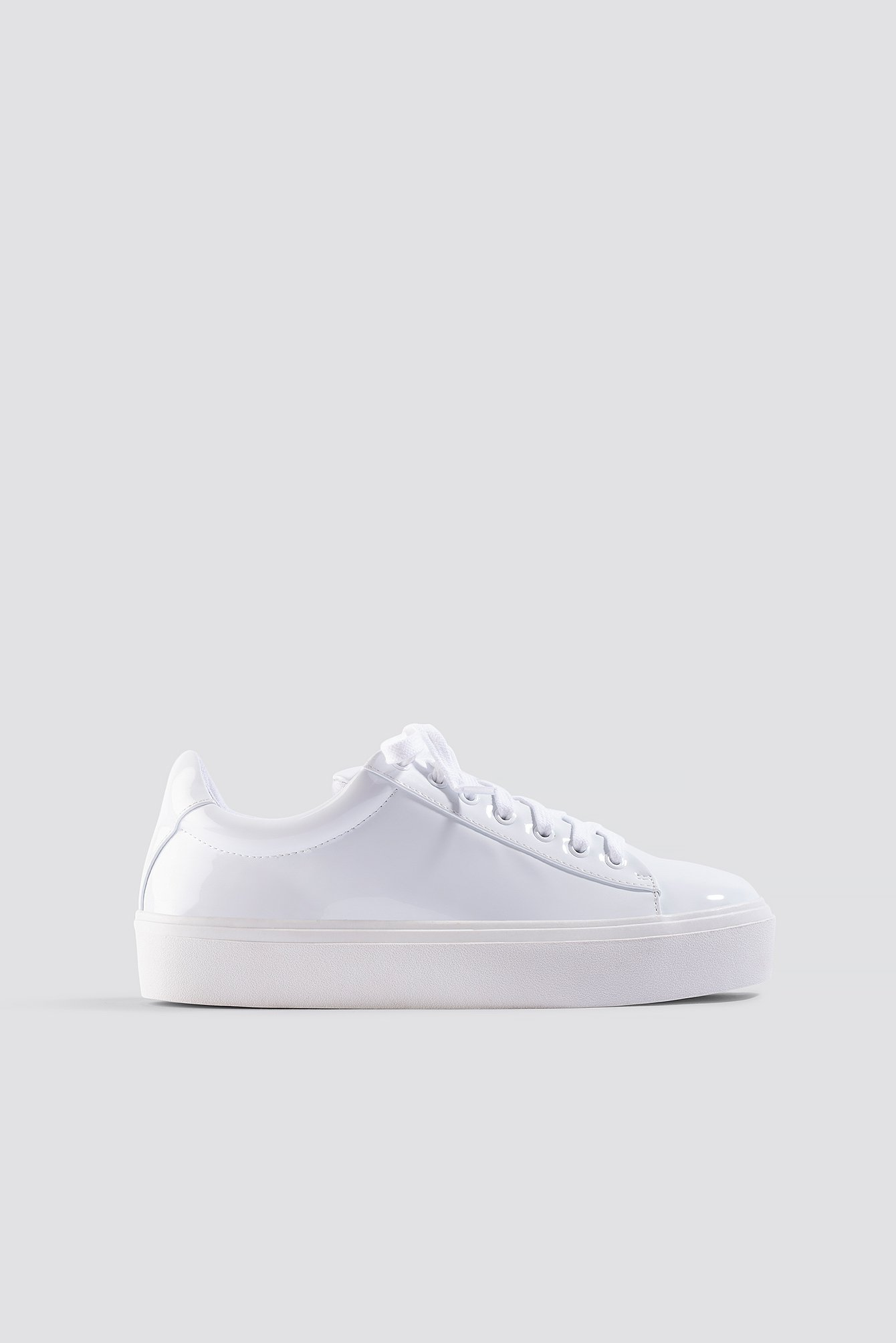 xle the label -  Lucie Sneaker - White