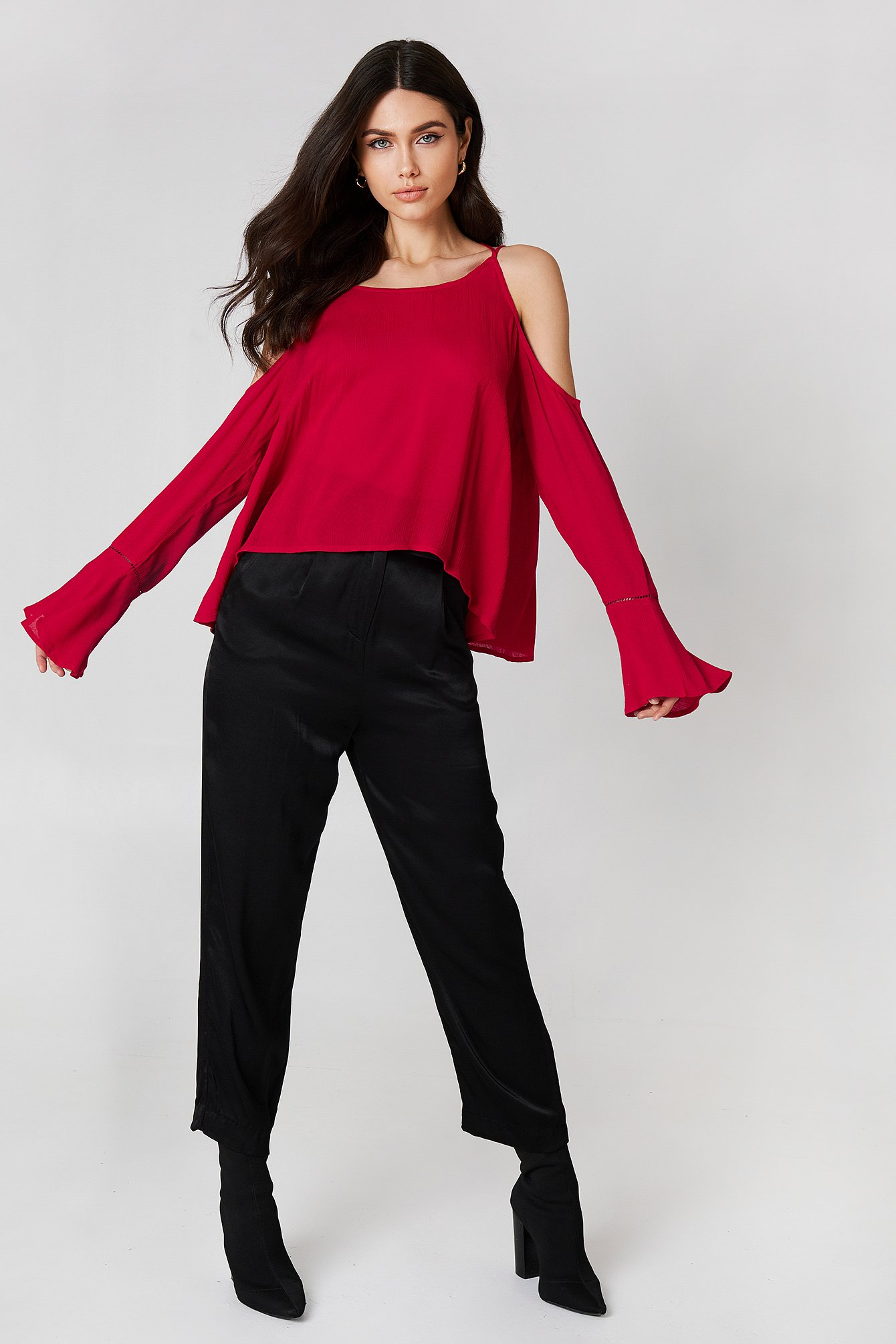 Cold Shoulder Cross Back Top NA-KD.COM