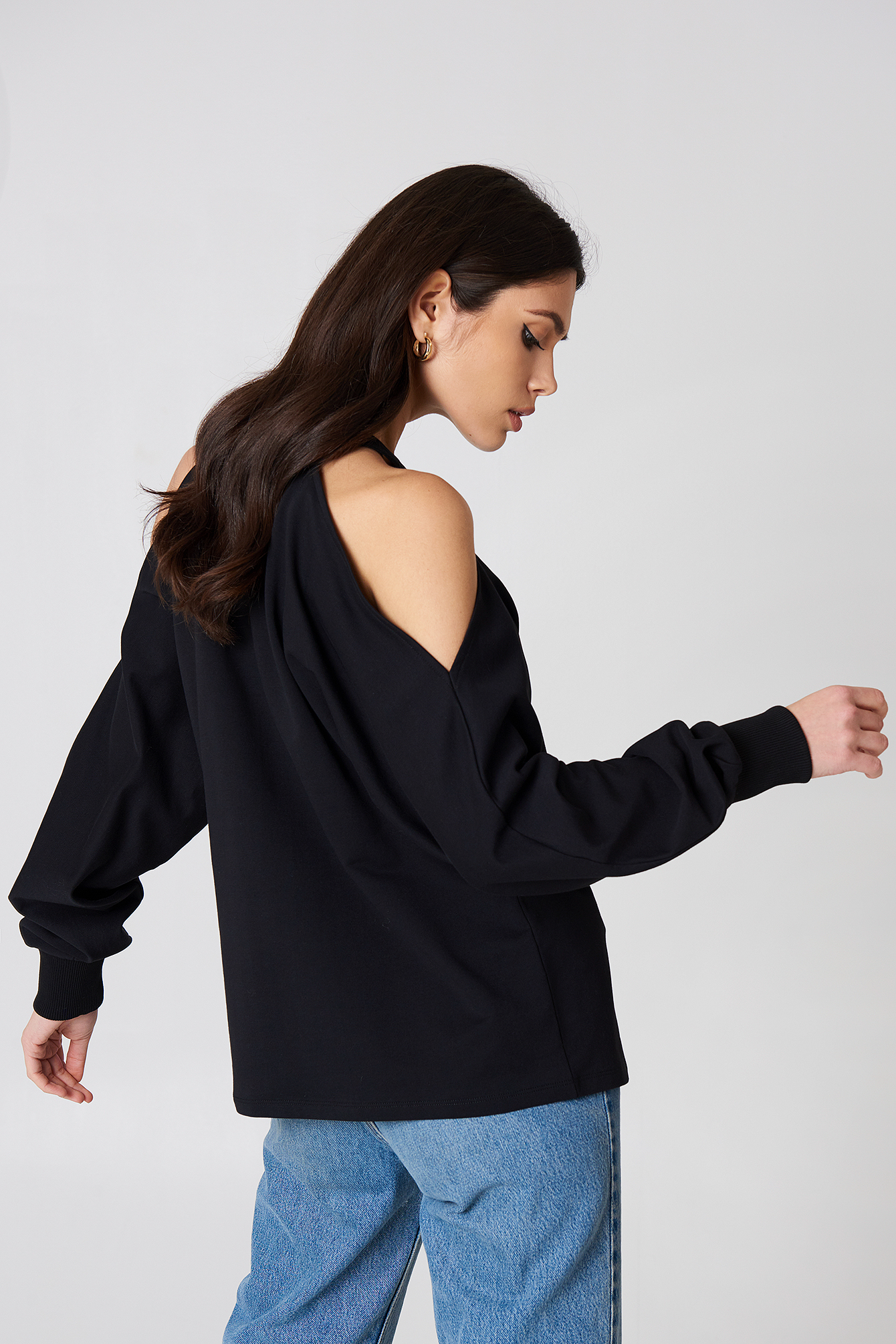 Cut Out Shoulder Sweatshirt NA-KD.COM