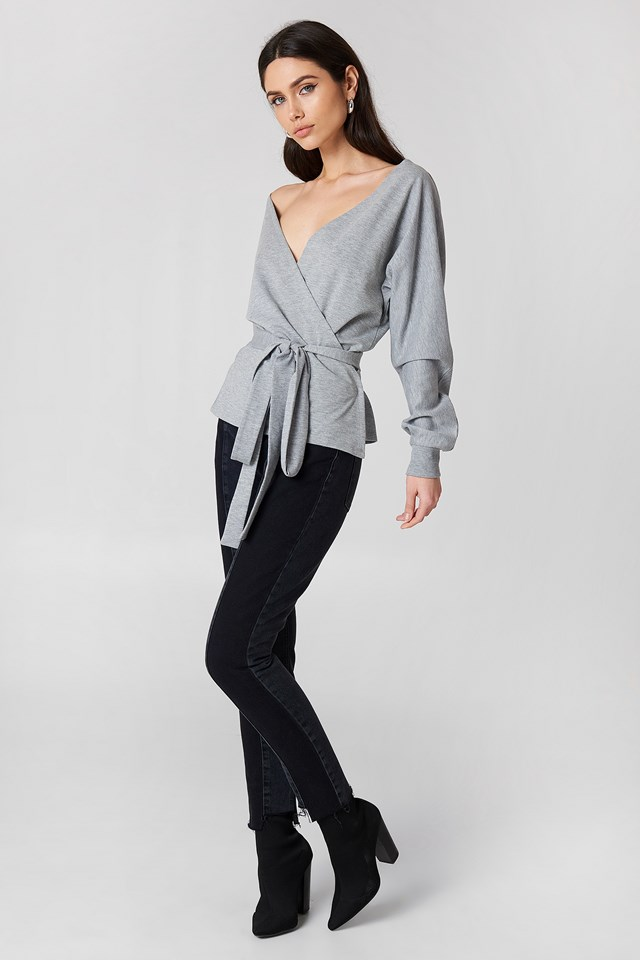 Tied Front Deep Neck Sweater NA-KD.COM