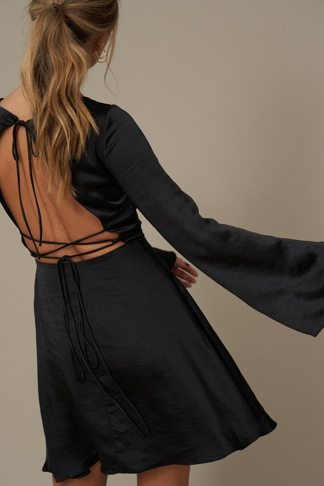 Open Back Flowy Dress Black