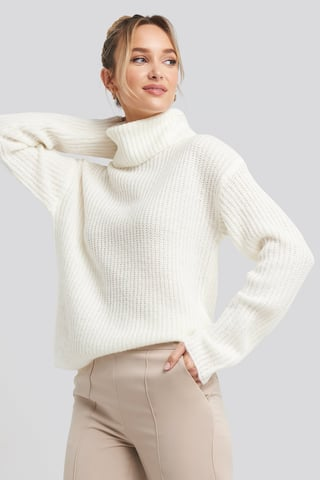 White Big Turtleneck Knitted Sweater