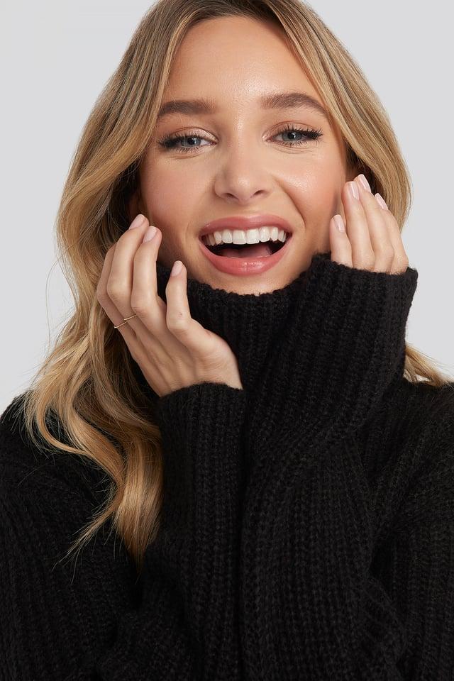 Big Turtleneck Knitted Sweater Black