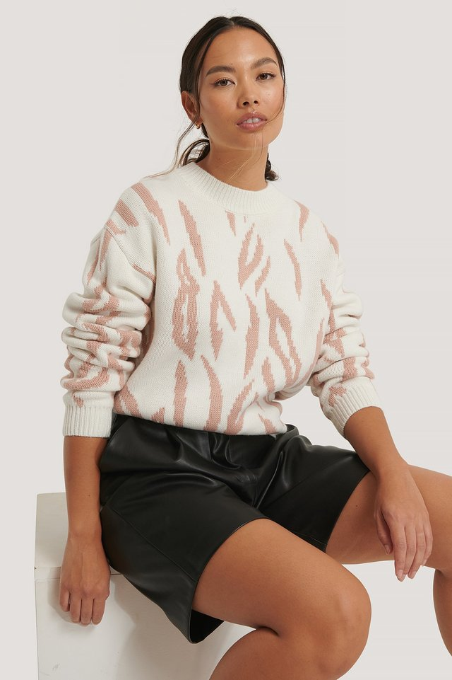 White/Pink Animal Knitted Round Neck Sweater