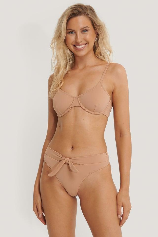 Bikini-Unterteil Mit Schnürdetail Brown