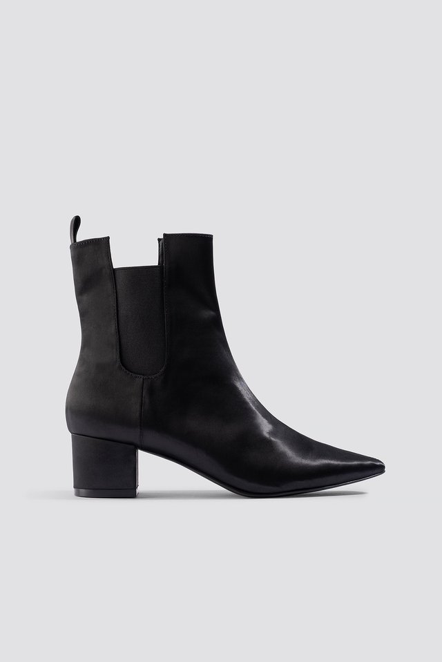 Satin Ankle Boots Emilie Briting x NA-KD