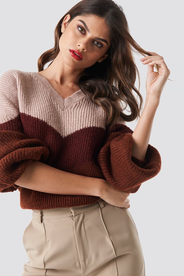 Color Blocked V-neck Knitted Sweater Wine