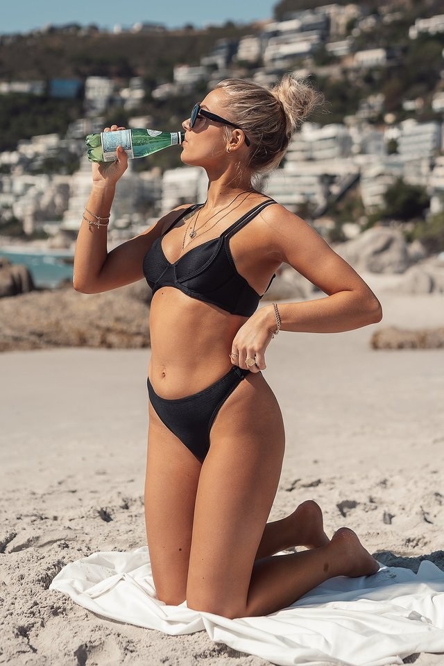 Bikiniöverdel Black