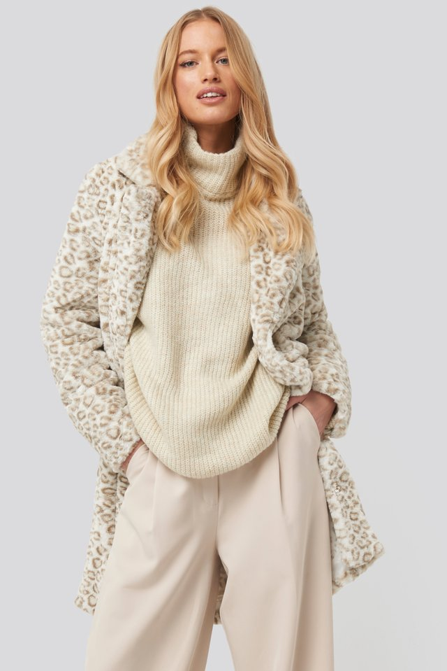 Folded Sleeve Turtle Neck Knitted Sweater Cream