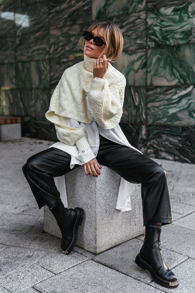 Off White Cropped Cable Knitted Sweater