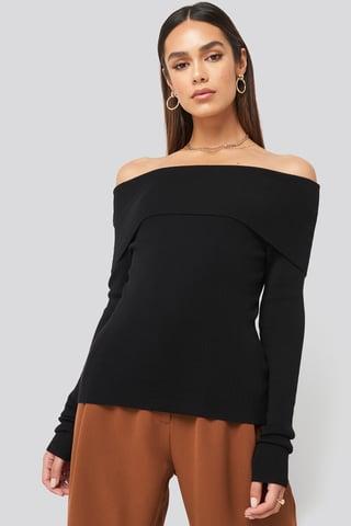 Black Slash Collar Pullover