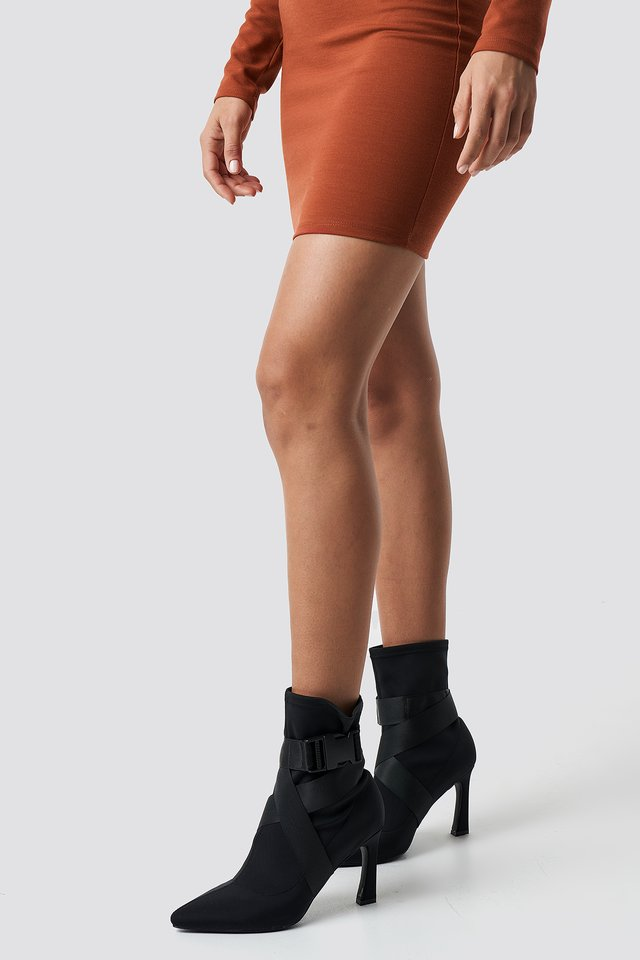 High Heel Belted Boots Hannalicious x NA-KD