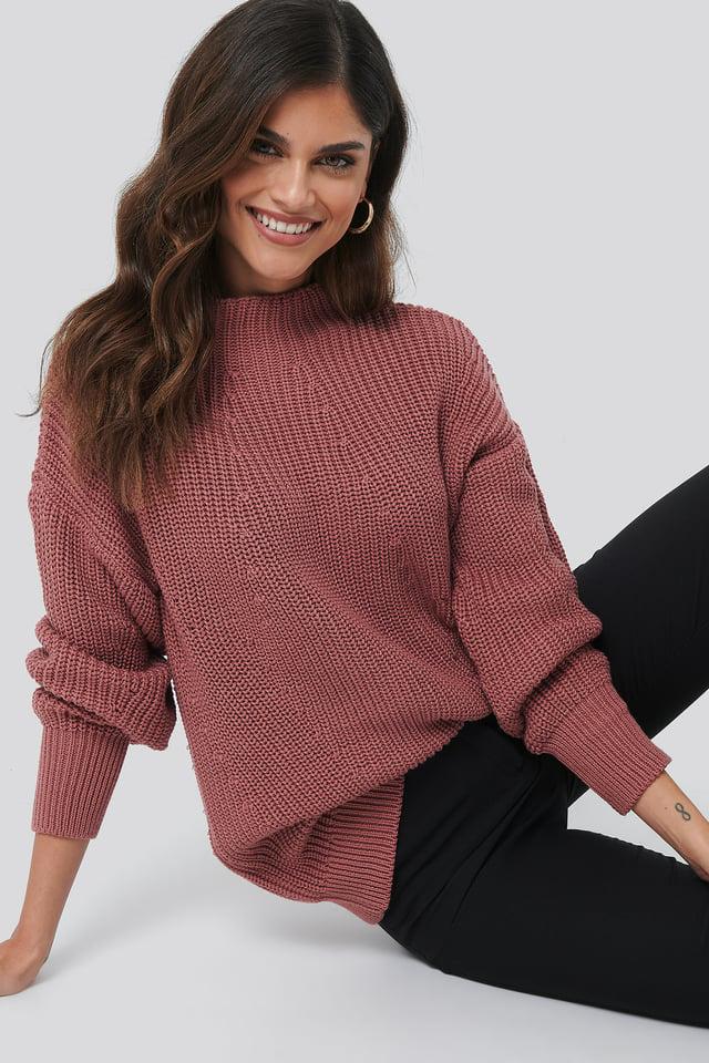Oversized Knit Rose