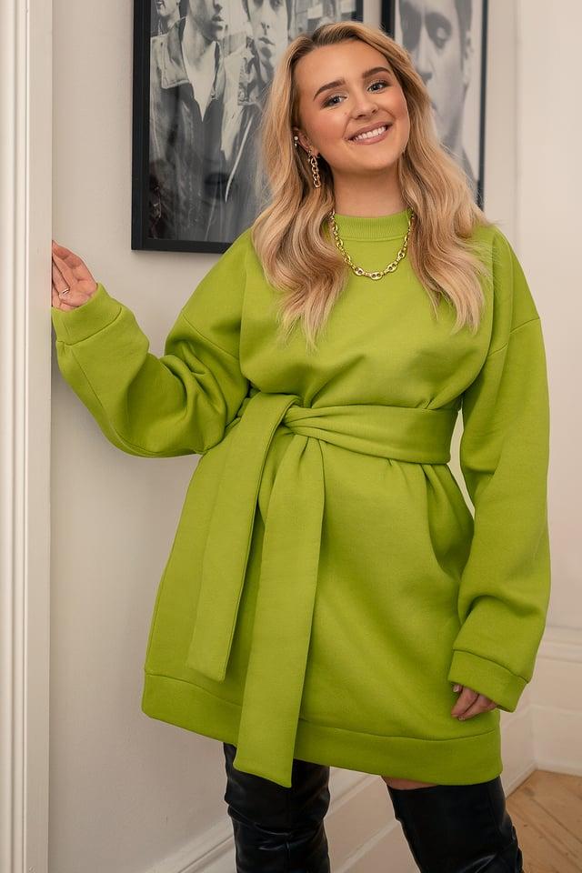Oversized Waist Belt Sweater Green