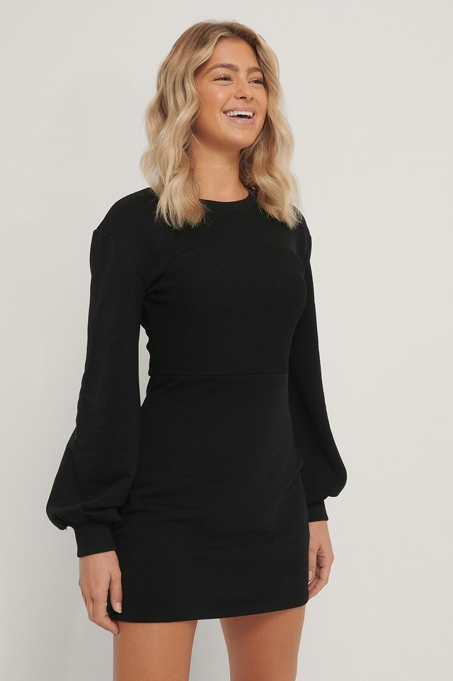 Black Ribbestrikket Jerseykjole Med Lange Ermer