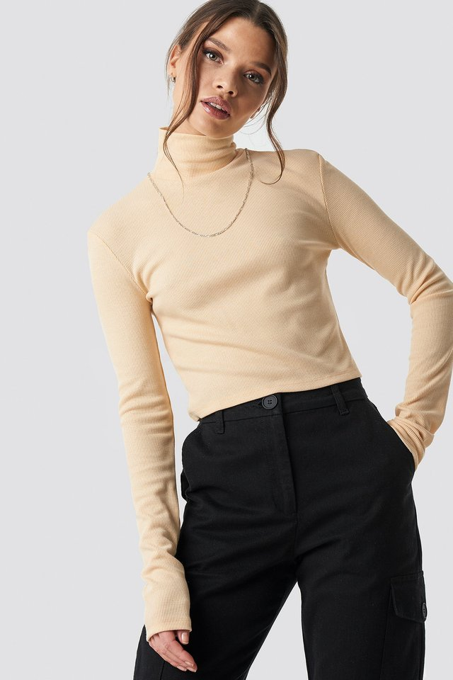 Ribbed Turtleneck Crop Top Nude