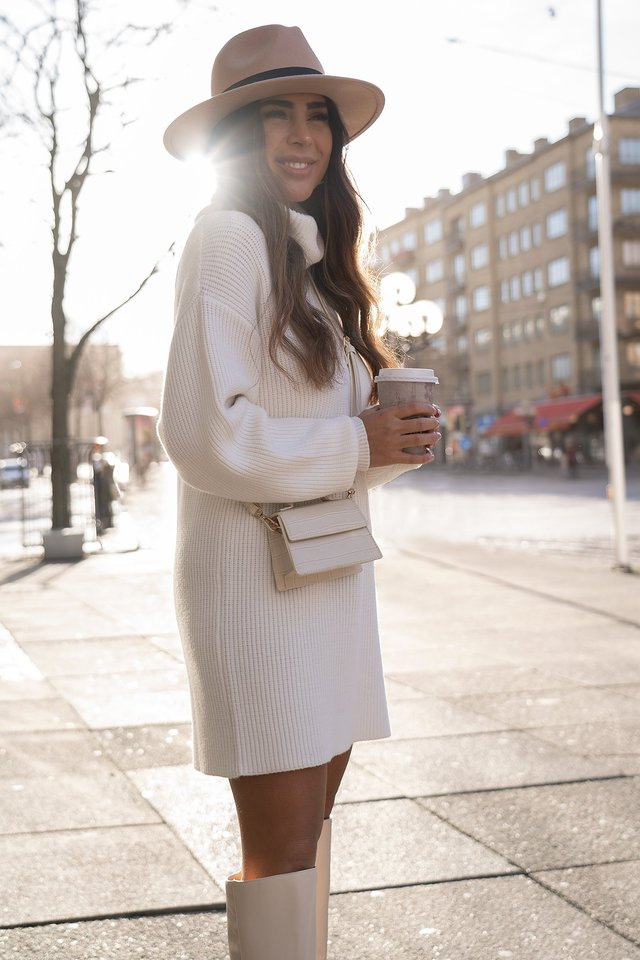 Big Collar Knitted Long Sweater Offwhite