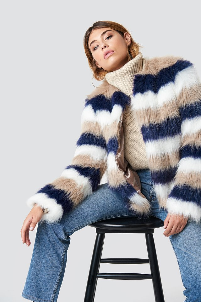 Striped Faux Fur Jacket Beige/White/Blue