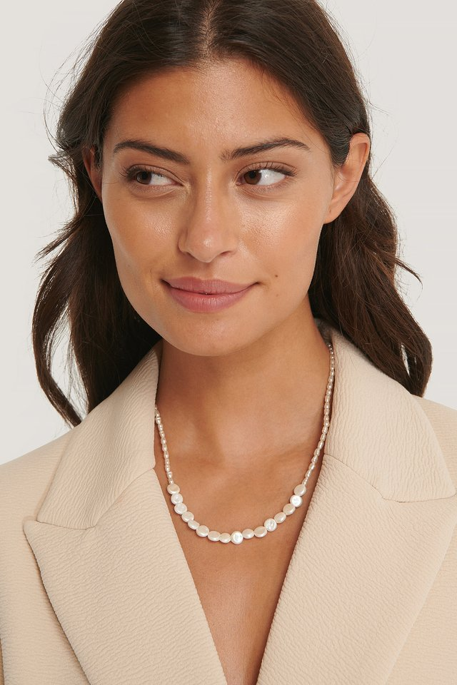 Marga Necklace White Pearl