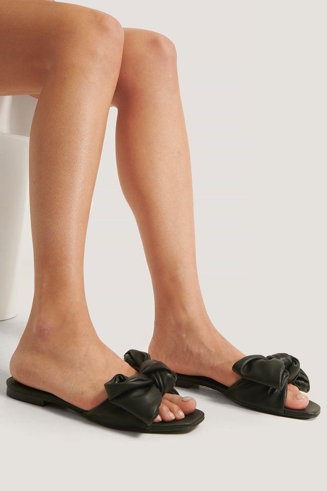 Momo Sandals Black