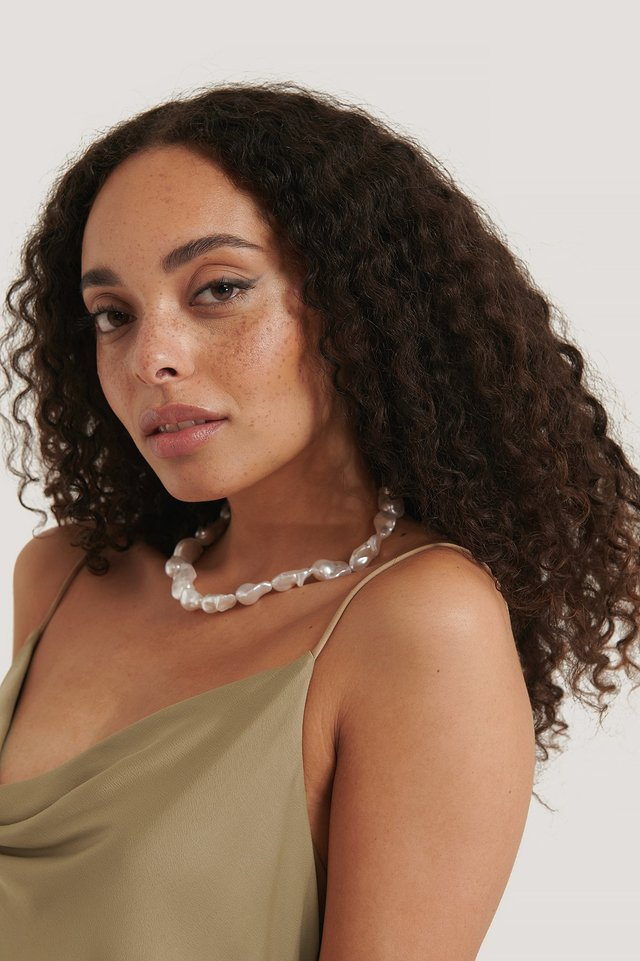 White Oversize Pearl Necklace