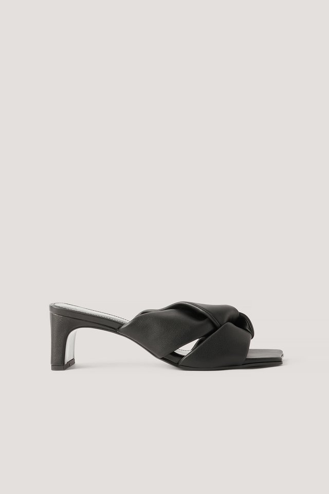 Romeo Sandals Black