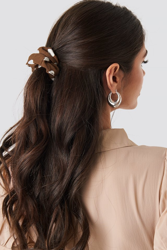 2-Pack Big Dotted Scrunchie Brown