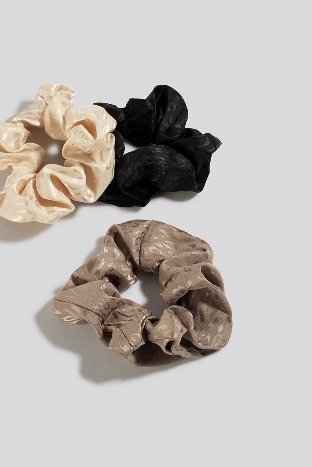 3-Pack Shiny Leo Scrunchies Mixed
