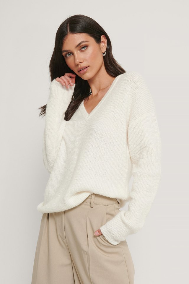 Alpaca Blend V-neck Knitted Sweater Offwhite