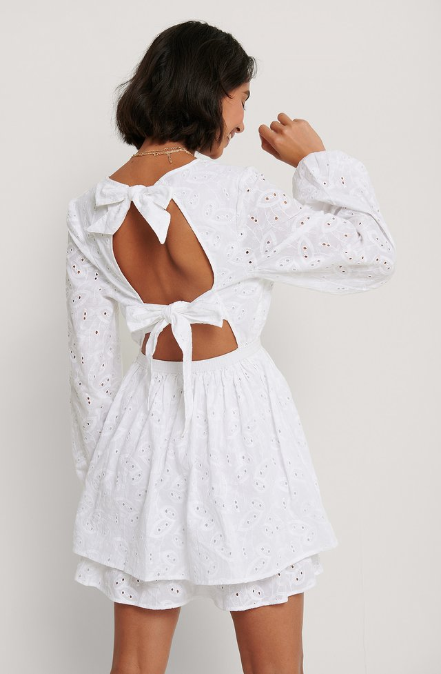 White Kjole Med Åben Ryg