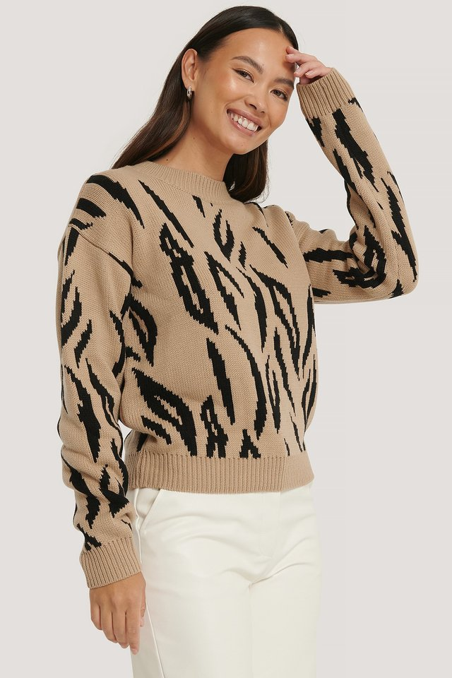beige/Black Animal Knitted Round Neck Sweater