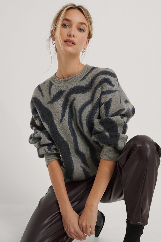 Animal Knitted Sleeve Detail Sweater Grey