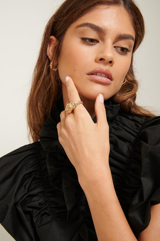 Oversize Sculptured Ring Gold