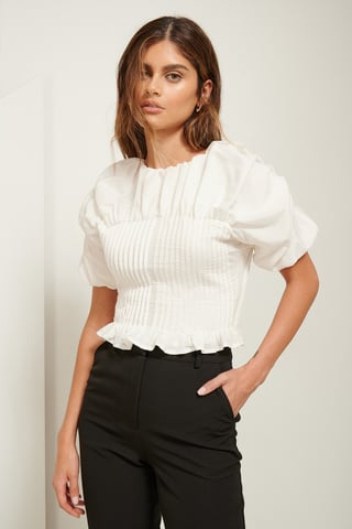White Pintuck-Bluse