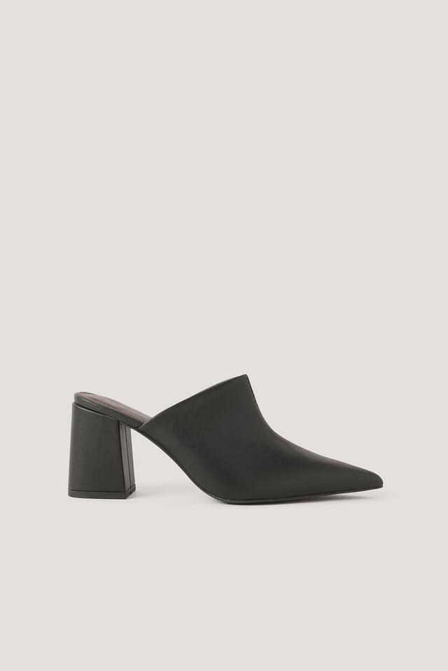 Sandalias Asimétricas Con Línea De Costura Black